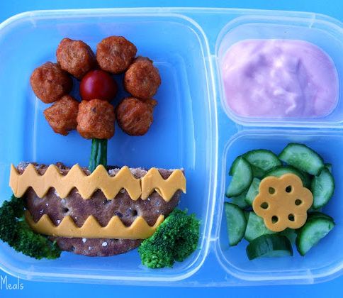 Top down picture of flower themed lunchbox