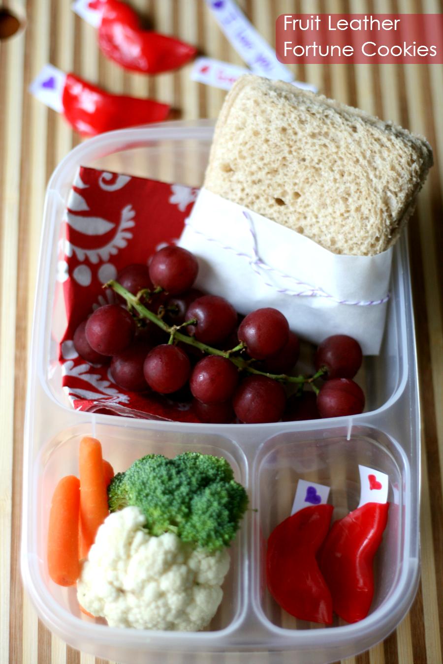 Fun Food for Kids Fruit Leather Fortune Cookies via @familyfresh