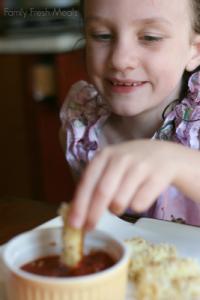 Skinny Baked Mozzarella Sticks Recipe - Healthy and yummy!
