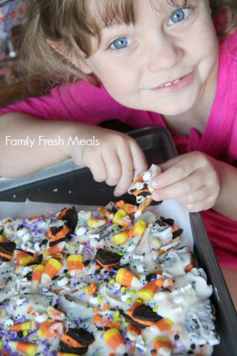 Halloween Bark - Fun Halloween Food - Halloween Kid Recipe