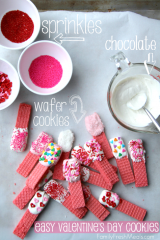 Super Easy Valentine's Day Cookies __ FamilyFreshMeals.com #valentinesday
