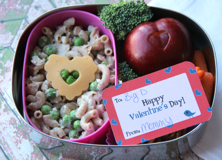 Valentine's day themed Lunchbox with a Valentine's day note