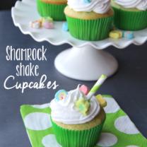 Easy Shamrock Shake Cupcakes