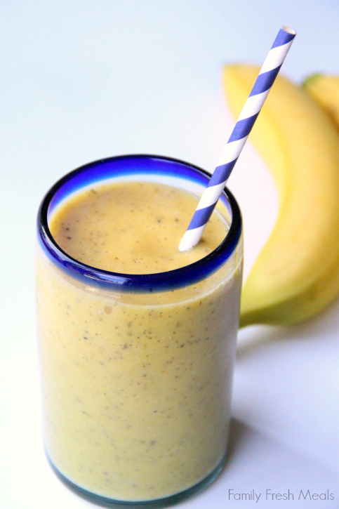Banana Mango smoohtie - Family Fresh Meals