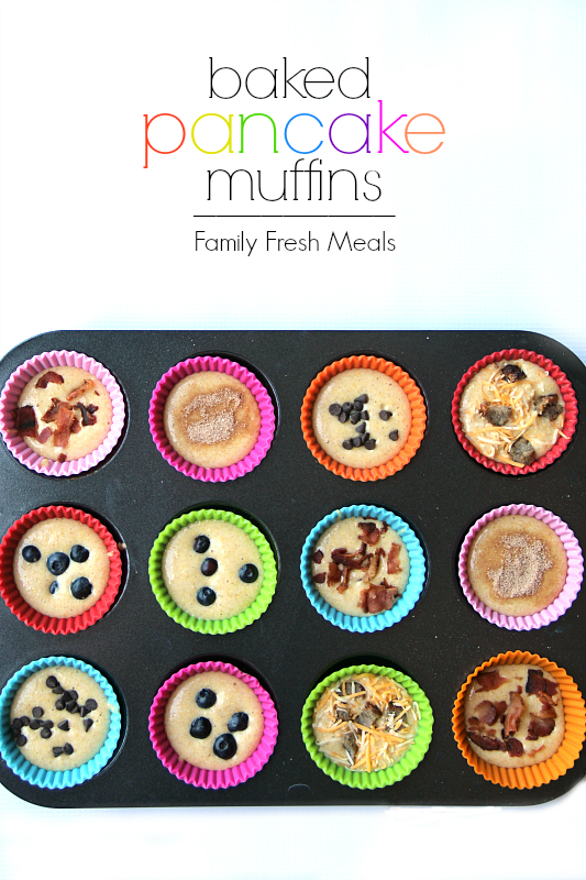 Easy Baked Pancake Muffins in a muffin tin via @familyfresh
