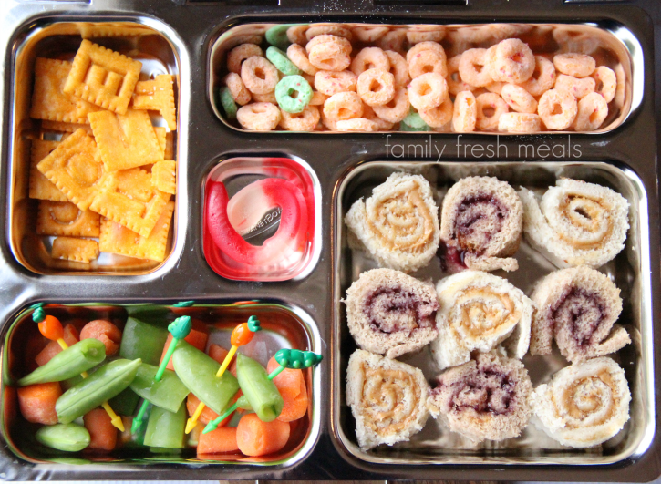 School Lunch Round Up Week 16 - Sandwich Sushi - FamilyFreshMeals