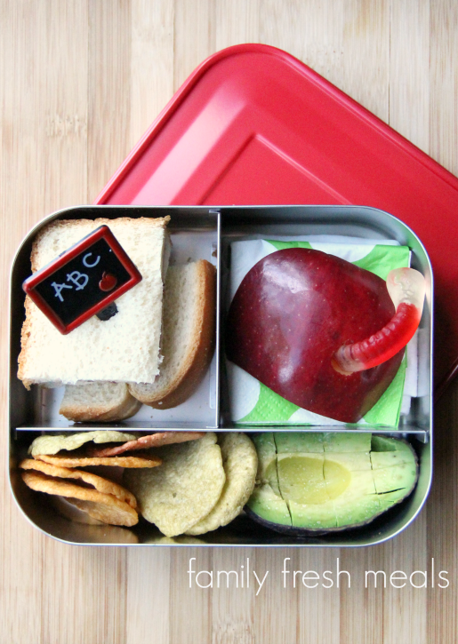 School Lunch Round Up Week 16 - mini sandwich avocadochips- FamilyFreshMeals
