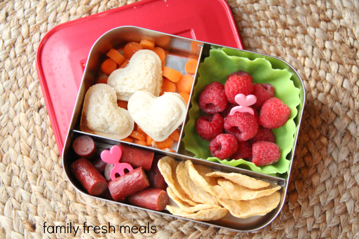 School and Work Lunchbox Ideas  - Mini heart sandwiches - familyfreshmeals.com