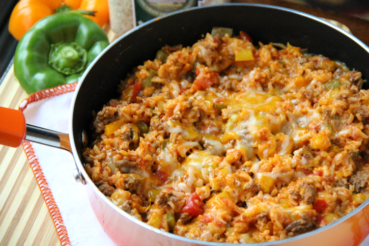 One Pot Stuffed Pepper Casserole - FamilyFreshMeals.com -