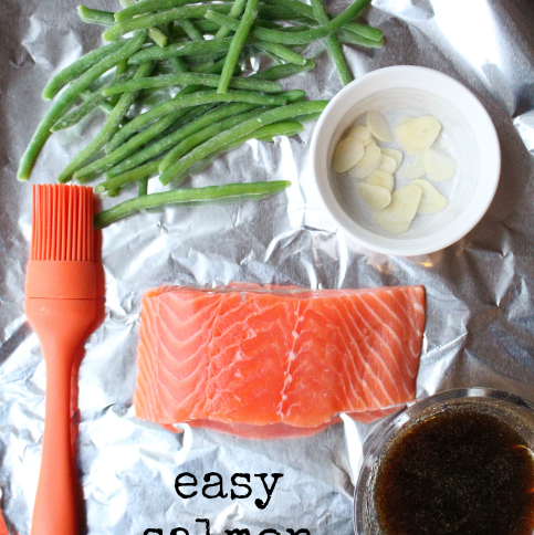 Easy Salmon Foil Packets --- FamilyFreshMeals.com -