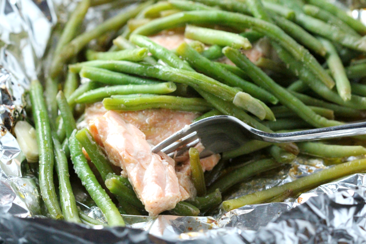 Salmon and green beans in a foil packet