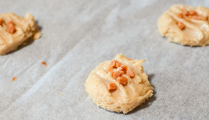 Toffee Butter Pecan Cake Mix Cookies - FamilyFreshMeals.com