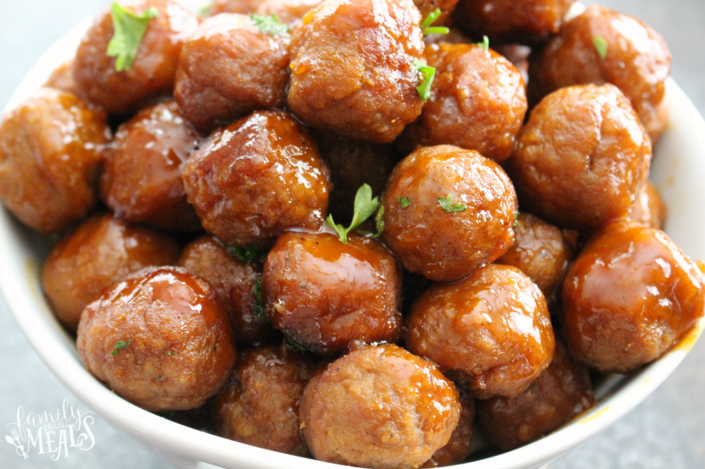 Honey Buffalo Crockpot Meatballs - quick easy appetizer - Family Fresh Meals - Love this appetizers