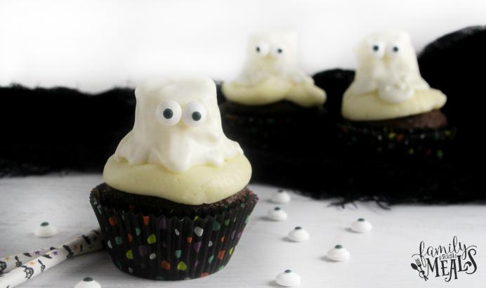 Halloween Ghost Cupcakes - FamilyFreshMeals.com --