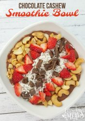 Chocolate Cashew Smoothie Bowl