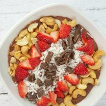 Chocolate Cashew Smoothie Bowl