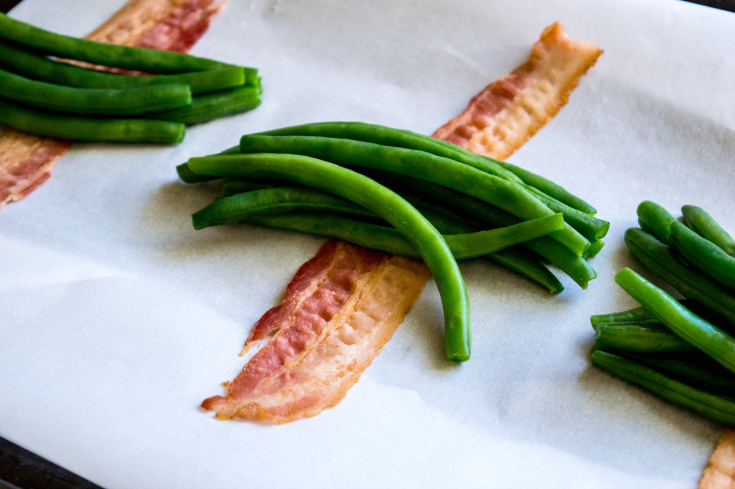 Bacon Wrapped Green Bean Bundles - Fresh Beans laid on bacon strips