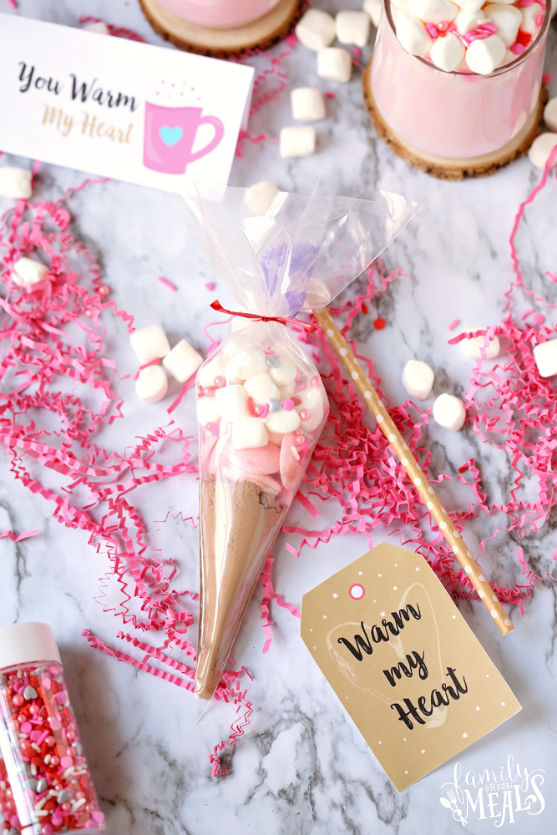 Valentine's Pink Hot Cocoa with Free DIY Gift Tags - Hot Cocoa DIY gift and tags