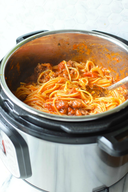 Instant Pot Spaghetti dinner - Cooked Spaghetti Dinner Recipe in the Instant pot - pressure cooker spaghetti