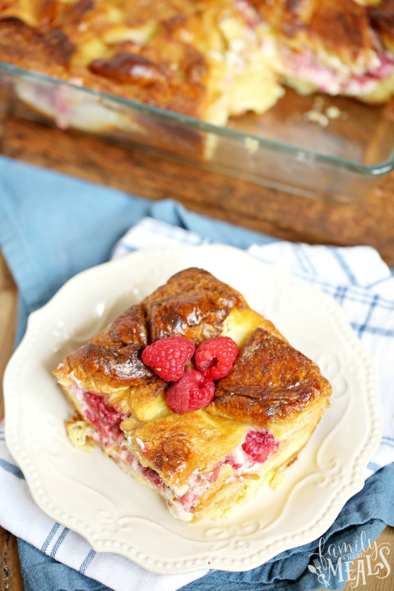 Raspberry Cheesecake Breakfast Bake - Family Fresh Meals