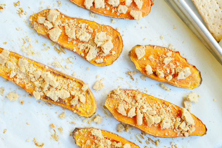 Sweet Potato Casserole Toast - baked sweet potato slices topped with graham crackers