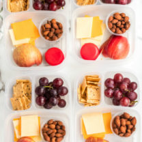 DIY Cheese and Crackers Lunchables