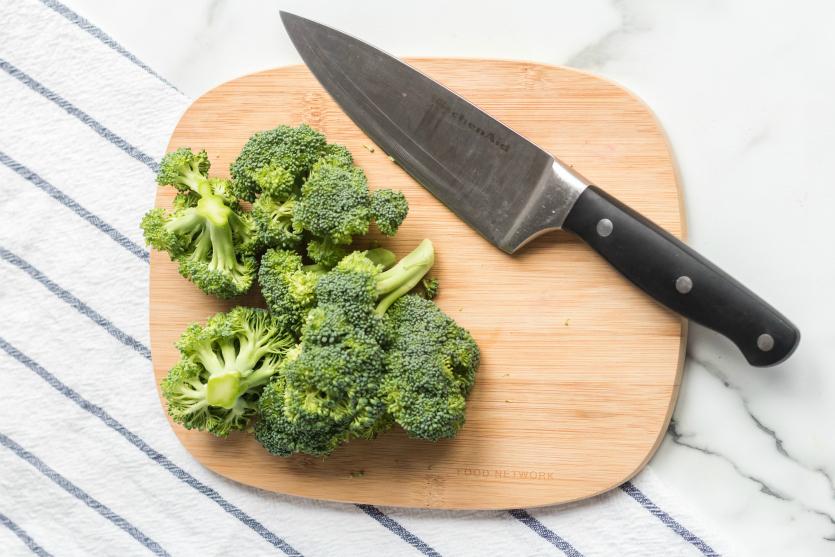 Teriyaki Chicken Lunchbox Idea - Cut up broccoli on cutting board - Family Fresh Meals