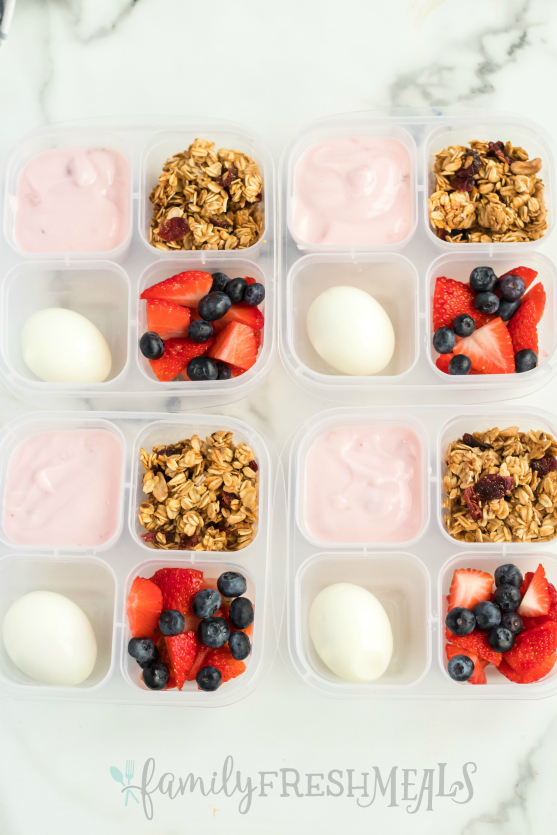 Easy Lunchboxes Yogurt Parfait Snack Box - Family Fresh Meals