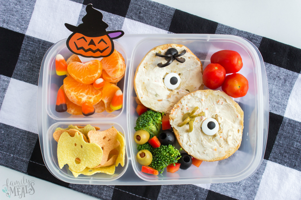 Fun Halloween Food Lunchbox Ideas - Spooky bagels packed in easy lunch boxes