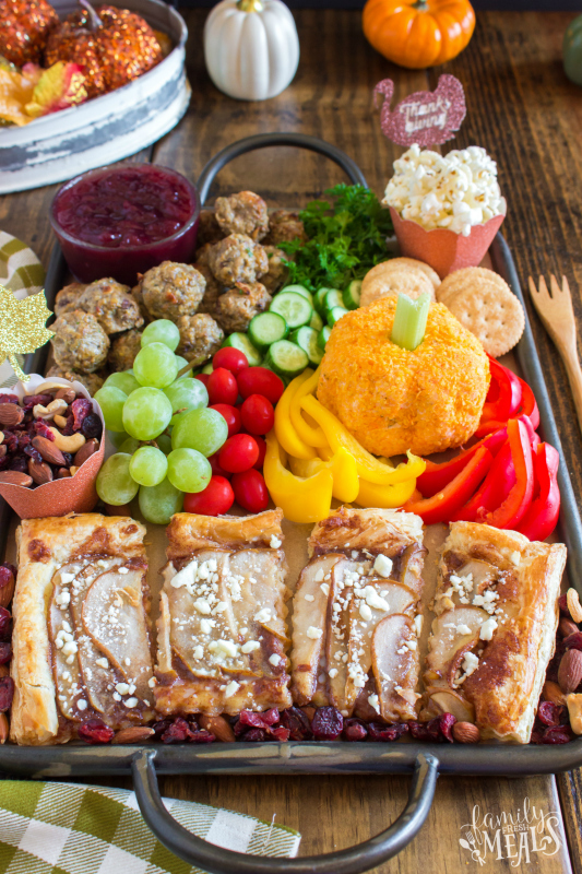 Thanksgiving Appetizer Snack Board - Healthy Thanksgiving Appetizer Idea