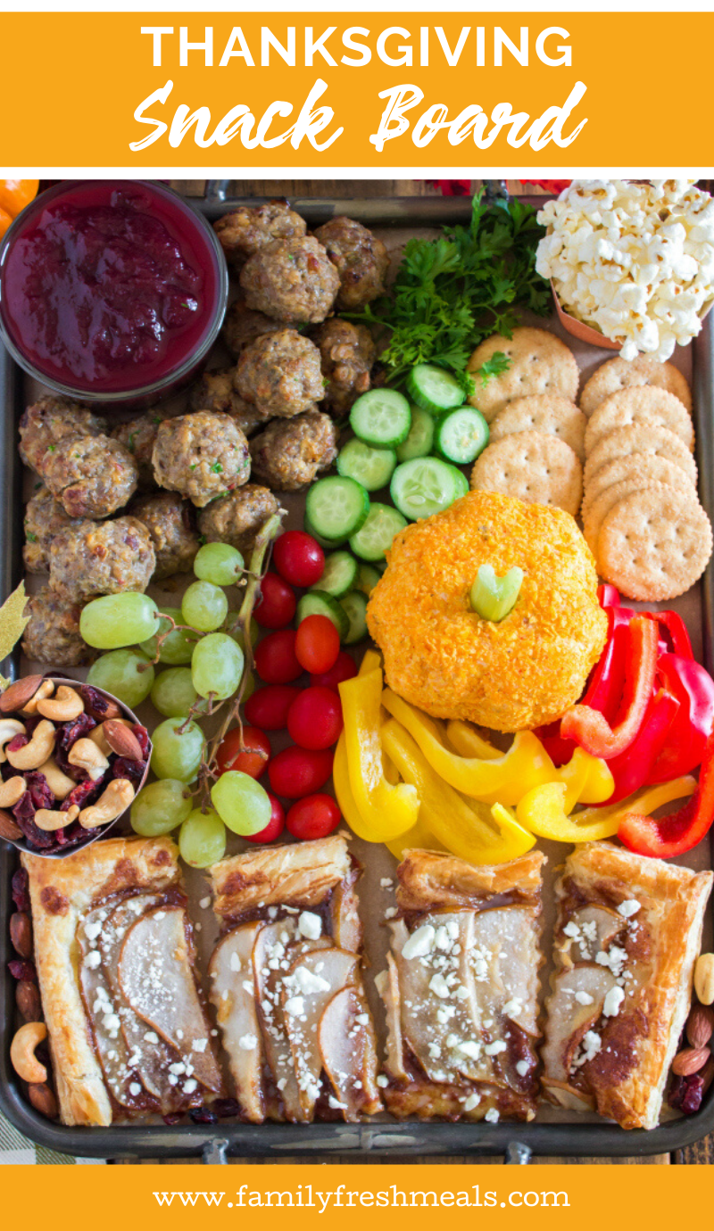 Thanksgiving Appetizer Snack Board #familyfreshmeals #thanksgiving #appetizer #snackboard #snack #holiday #meatandcheese  via @familyfresh