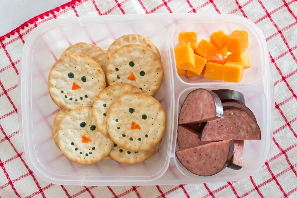 Cute Holiday Lunchbox Ideas - snowman lunch packed in easylunchboxes