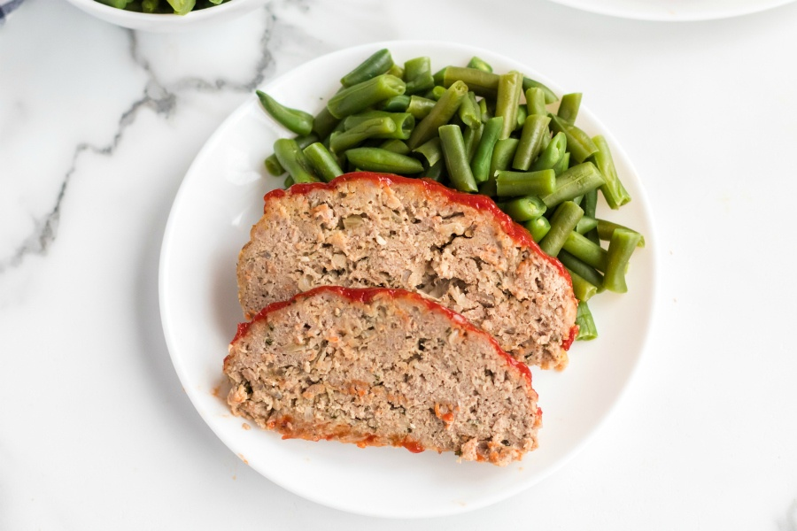 Turkey Meatloaf recipe - healthy meatloaf served with green beans