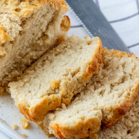 Easy No Yeast Beer Bread Recipe - No yeast packet needed - Family Fresh Meals