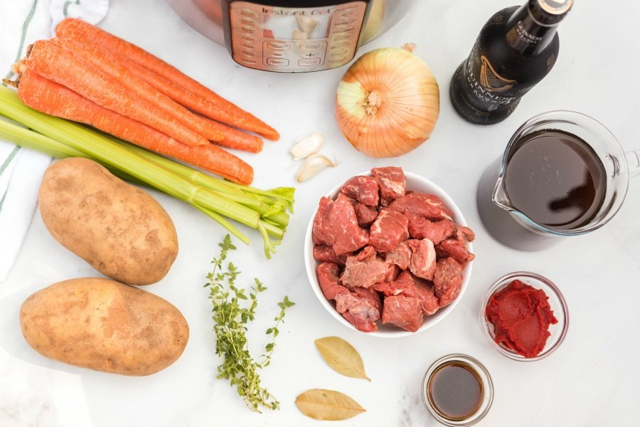 ingredients carrots, garlic, onion, guinness, broth, tomato paste, bay leaves, thyme, potatoes, celery