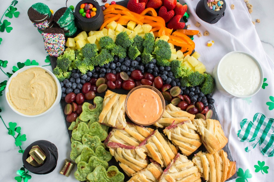 St Patrick's Day Appetizer Board from Family Fresh Meals - served with dips and chocolate