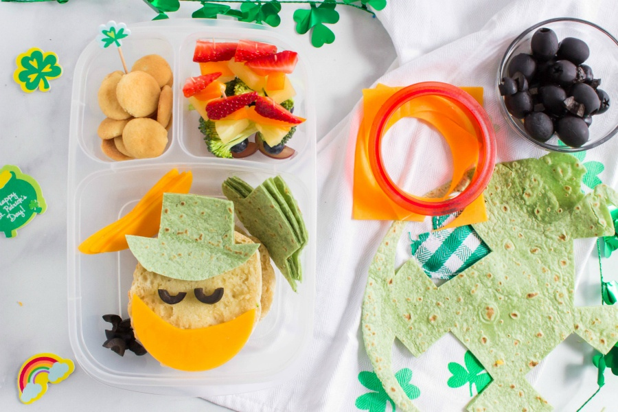 St. Patrick's Day Easy Lunchbox Ideas - showing how to make st patricks day lunchbox