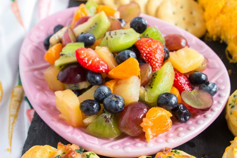 Bowl of glazed fruit