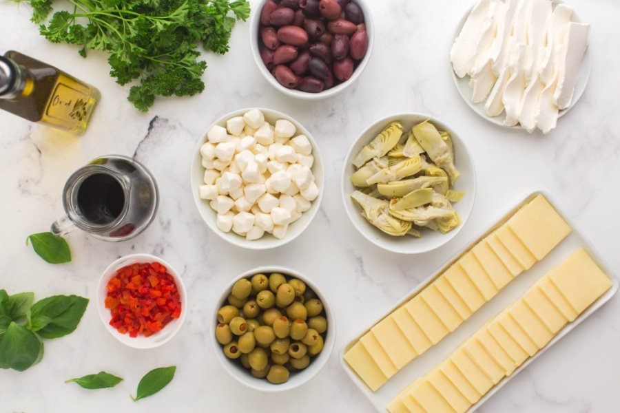Ingredients for marinated cheese ring