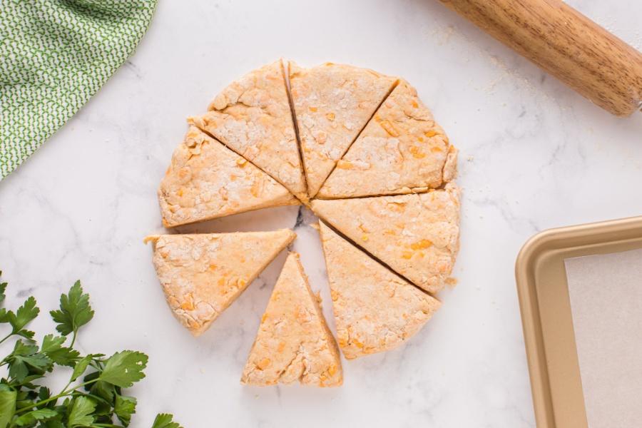 8 scones cut